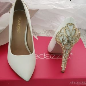 Never worn White heels